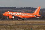 "G-EZUI A320 Easyjet ""Easyjet's 200th Airbus"" (25396630730).jpg"