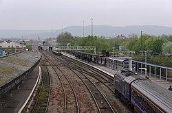 Gloucester railway station MMB 50 158887 43071.jpg