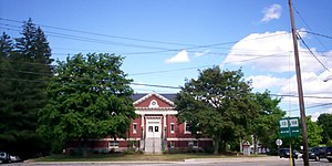 New Hampshire Route 13 - Goffstown Public Library at the junction of NH 13 and NH 114