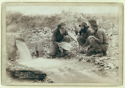 Grabill - Washing and panning gold