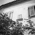 Grb na hiši De Kana, grofa, Dekani 1949.jpg