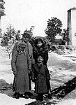 Gu Tinglong and family.jpg