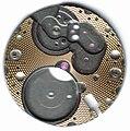 Guilloché-Muster auf Uhrwerkplatine 01.jpg