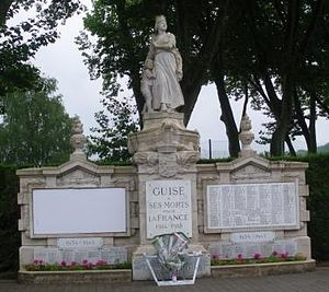 War memorials (Aisne) - The war memorial at Guise