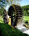 Hütten - Wasserrad 1911 der Getreidemühle Altsteußlingen, Schmiechtal.jpg
