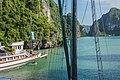 Ha Long Bay, Vietnam (15272591863).jpg