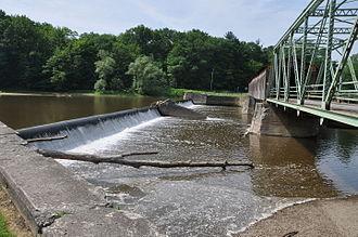 Grand River (Ohio) - Harpersfield Covered Bridge over the Grand River