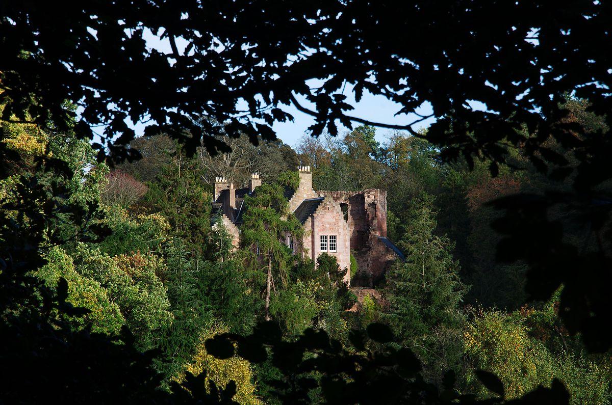 hawthornden castle