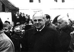 Ο Χέλμουτ Κολ στην Πολωνία το 1989