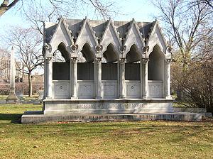 Henry Honoré - Henry Honoré family crypt, Graceland Cemetery