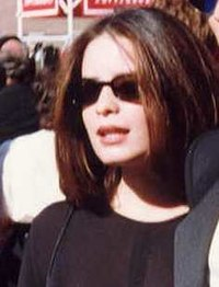 Holly Marie Combs.jpg