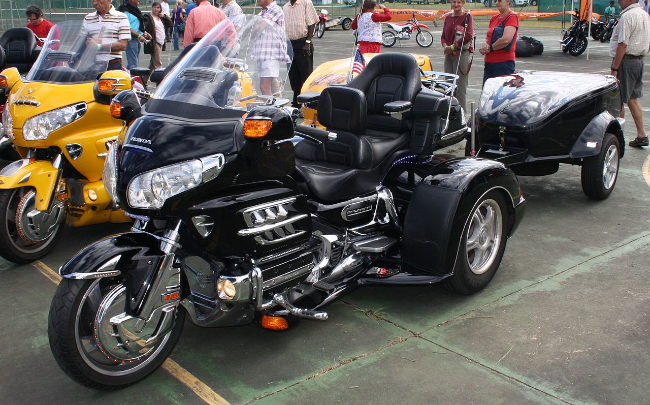 file honda goldwing trike with wikimedia commons. Black Bedroom Furniture Sets. Home Design Ideas