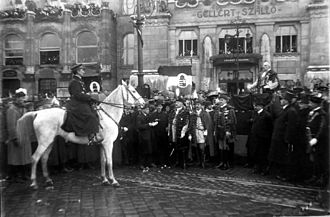 Royal Hungarian Army - Admiral Horthy during the entry into Budapest of the National Army in Budapest, November 1919