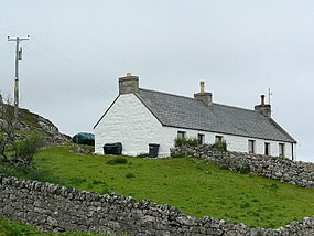 House below Ceannabeinne - geograph.org.uk - 498163.jpg