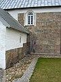 Hover kirke - våbenhus og sydside 3.jpg