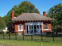 Howard Gardner Nichols Memorial Library Oct 2014 1.jpg
