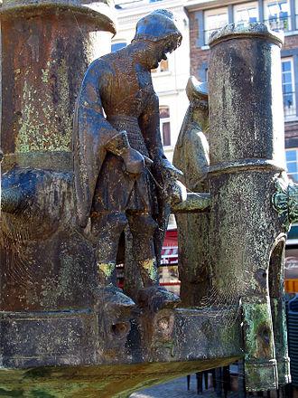 "Ansfried of Utrecht - St. Ansfridus. Small fine bronze of the fountain ""Li bassinia""  (Huy)."