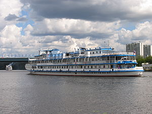 I.A. Krylov on Khimki Reservoir 23-jul-2012 07.JPG
