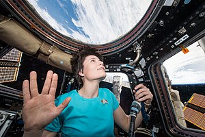 Trekkie - Astronaut Samantha Cristoforetti performs the Vulcan salute in homage of Leonard Nimoy
