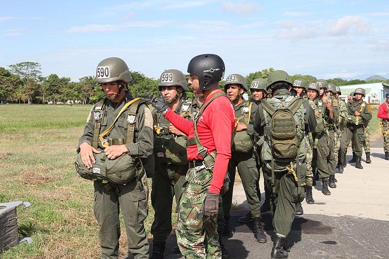 FileI Curso de Paracaidistas Jungla de la Polica Nacional 7694274504jpg