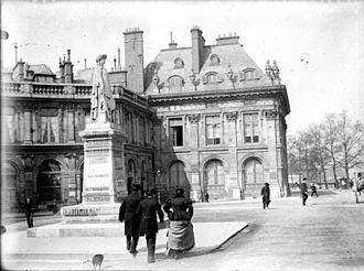 Institut de France - Esplanade in front of the Institut, 1898.