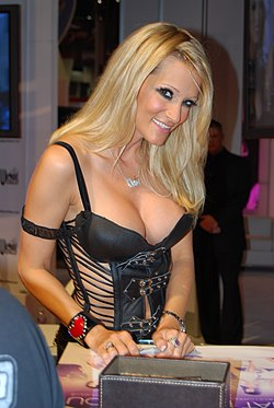 Jessica Drake at AVN Adult Entertainment Expo 2008.jpg