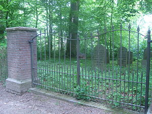 Jewish cemetery - Jewish cemetery at Kasteelwal in Buren, The Netherlands