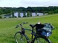 Jezioro Graużyny, poszedł na rower wodny - panoramio.jpg