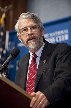 John Holdren at commercial human spaceflight press conference (201002020002HQ).jpg