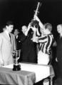 Juventus raises the 1959–60 Coppa Italia.webp