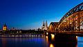 Kölner Dom und die Hohenzollernbrücke.jpg