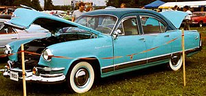 Kaiser Manhattan 4-Door Sedan 1953
