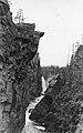 Kajon vid Hällingsåfallet Mitten av 1930-talet..jpg