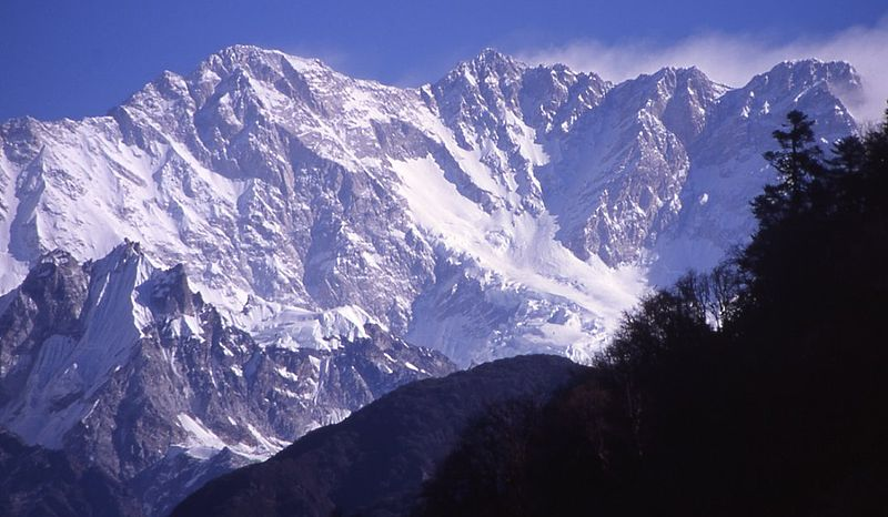 चित्र:Kangchenjunga South Face.jpg