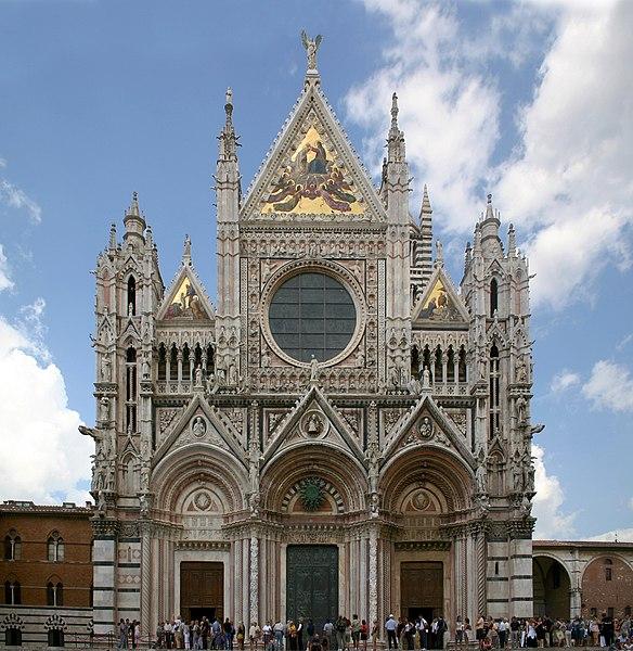 fasada katedry w Sienie