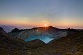 Kelimutu Sunrise (8184721542).jpg