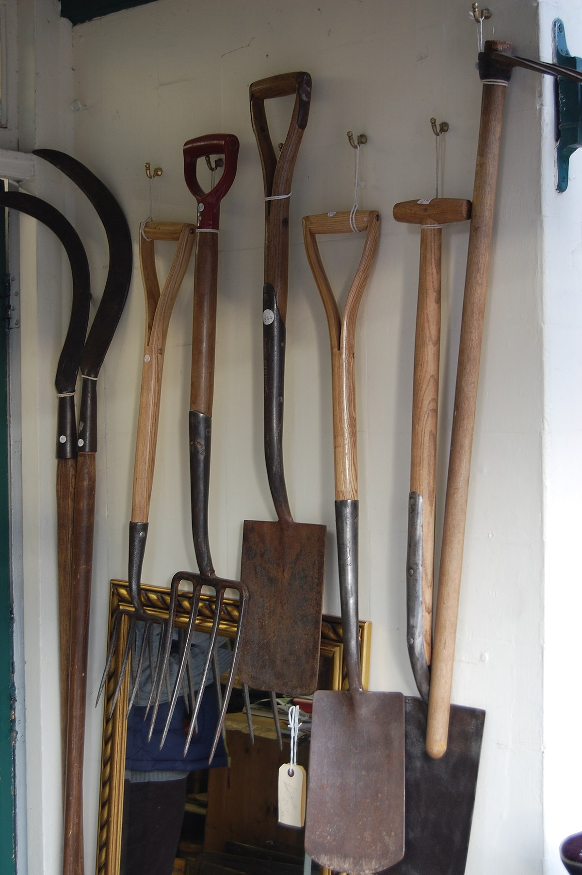 File Kington 21 Antique Garden Tools