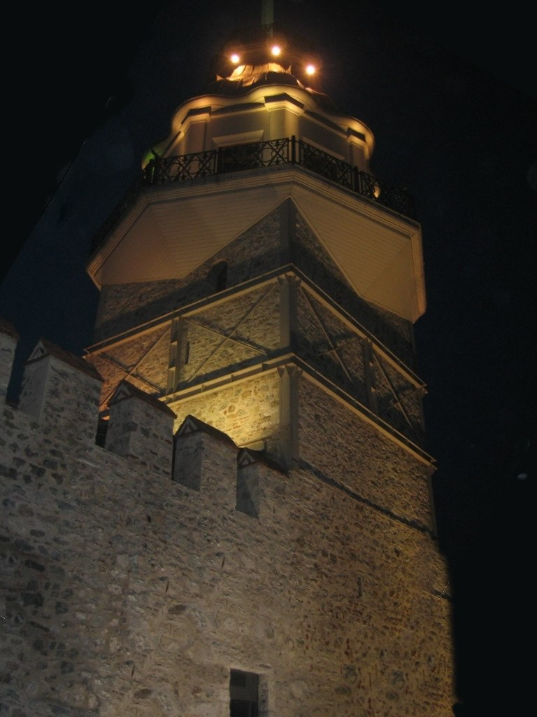 Kiz kulesi at night-2004