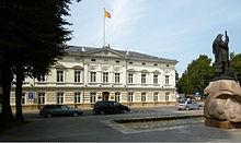Im Palais des dänischen Konsuls Consentius-Lorck in Memel residierte 1807/1808 das Königspaar Friedrich Wilhelm und Luise[5] (Quelle: Wikimedia)