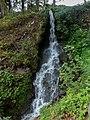 Kleiner Wasserfall zwischen Prissian und Grissian, Jakobsweg zwischen Meran und Bozen, Trentino, Südtirol, Italien - panoramio.jpg