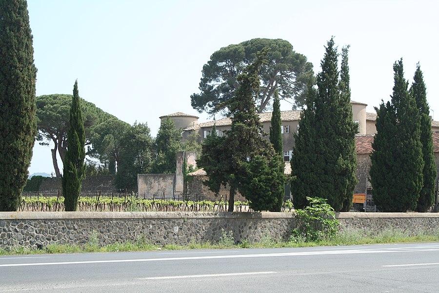 Lézignan-la-Cèbe (Hérault) - Château.