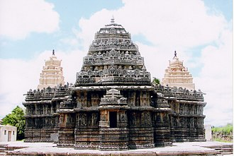 1240s in architecture - Image: Lakshminarasimha Temple at Nuggihalli