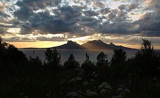 Salten - Image: Landegode midnattsol