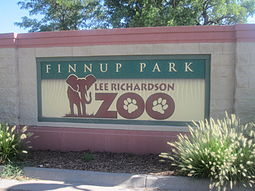 Lee Richardson Zoo sign, Garden City, KS IMG 5932.JPG