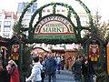Leipziger Weihnachtsmarkt Eingang.jpg
