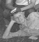 Lesław Chruściel. Klęczą (skydiver), Gliwice 1982 (cropped).jpg