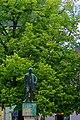 Litomyšl - Smetanovo náměstí - View NNW on Statue of Bedřich Smetana.jpg