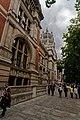 London - Cromwell Gardens - Victoria & Albert Museum 1909 Aston Webb - View ENE.jpg