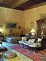 Lourmarin - Chateau, chambre des dames.jpg