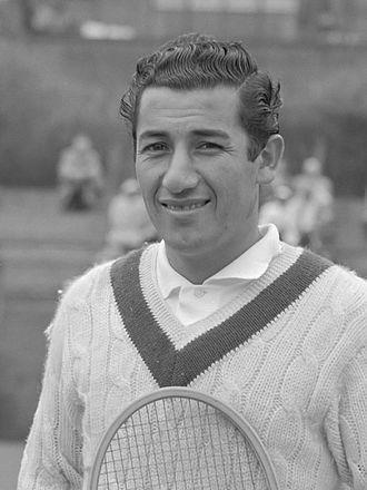Luis Ayala (tennis) - Image: Luis Ayala (1956)